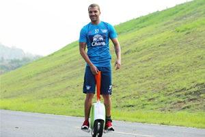 correas para aprender a montar en monociclo electrico